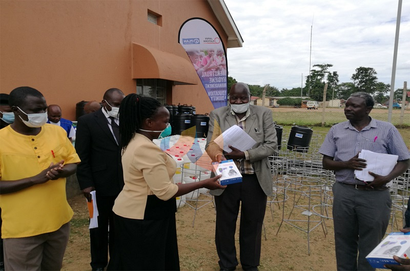 Minister warns Arua leaders on COVID-19 food, Cash